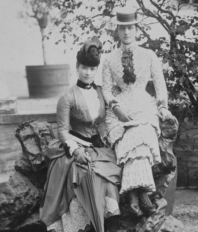 Empress_Maria_Feodorovna_with_Queen_Alexandra