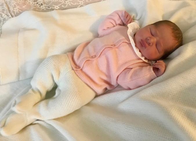 H.K.H. Prinsessan Madeleine och herr Christopher O'Neill fick fredagen den 9 mars 2018 klockan 00.41, en dotter på Danderyds sjukhus. Vikt: 3465 gram. Längd: 50 cm. Herr O'Neill var med på Danderyds sjukhus under hela förlossningen. - Vi är mycke