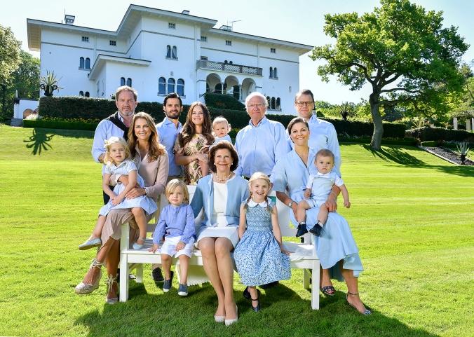 Sollidens slott, juli 2017Kungafamiljen skickar en hälsning från Sollidens slott på Öland.