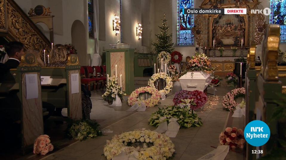 Ari Benh_hautajaiset1