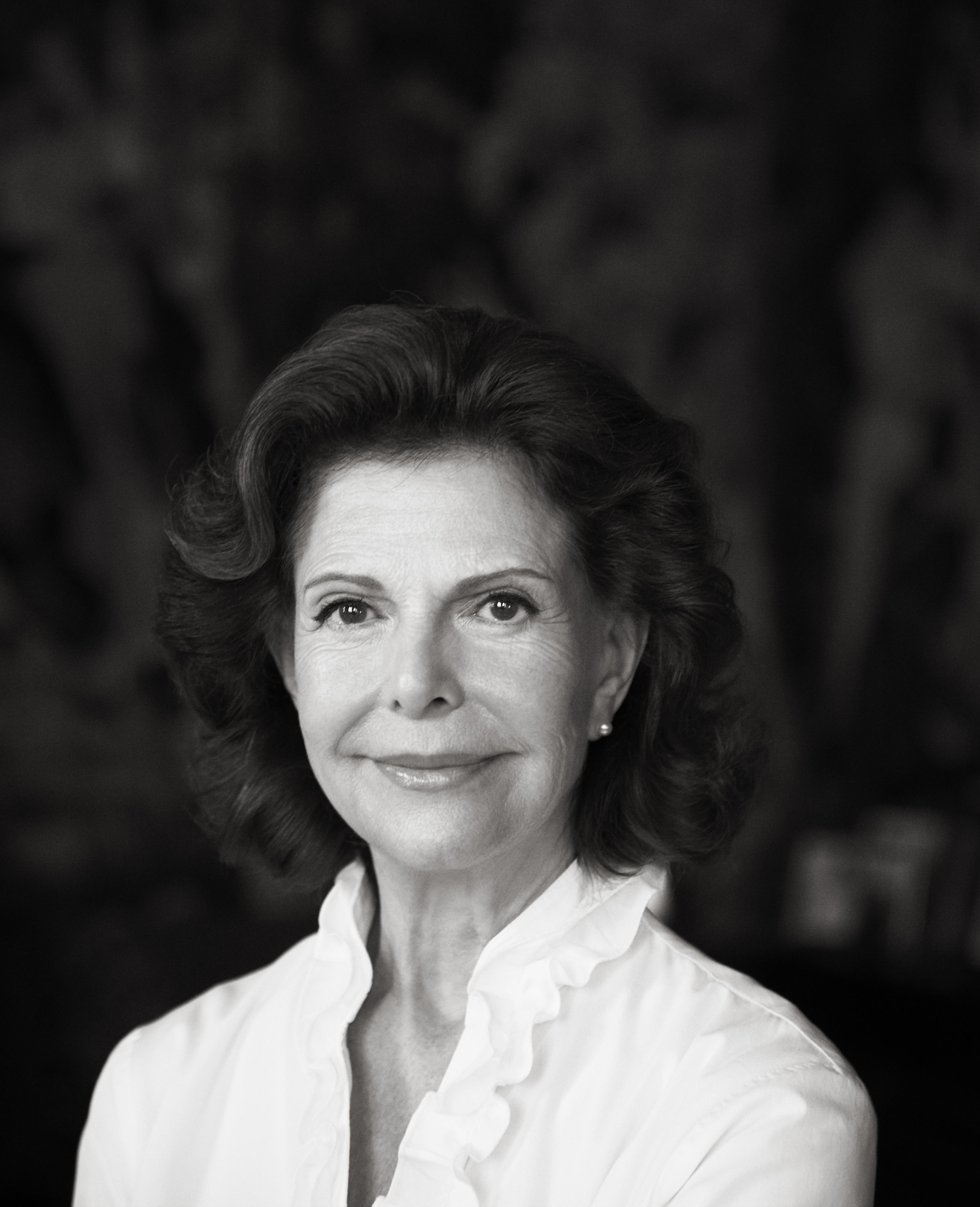 H.M. Drottning Silvia. Fotograferad inför 75-årsdagen av fotograf Camilla Åkrans.